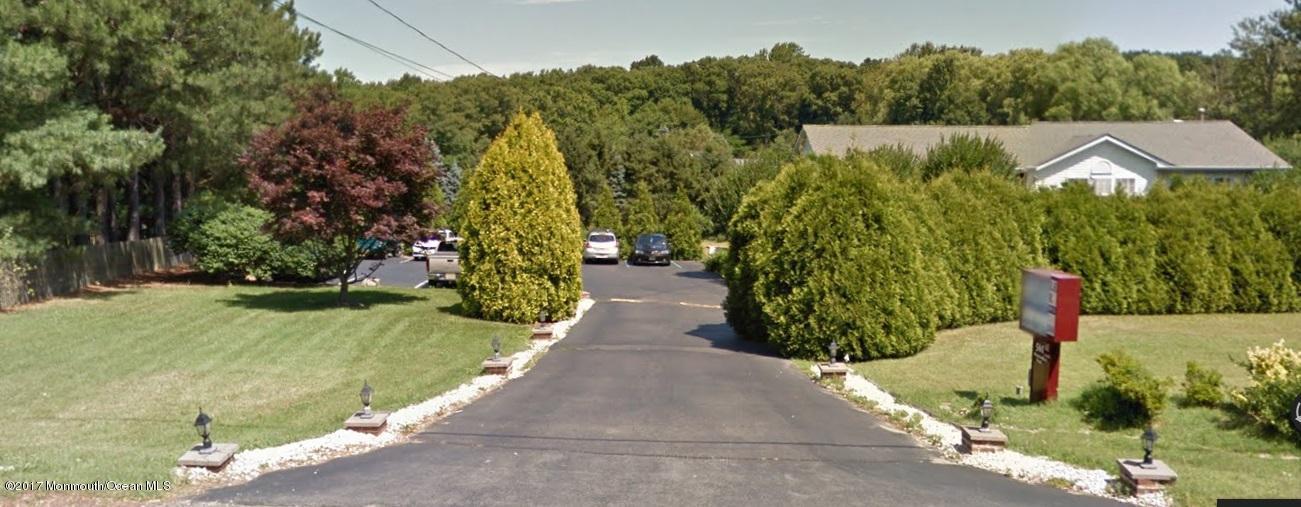 独户住宅 为 出租 在 561 Monmouth Road Wrightstown, 新泽西州 08562 美国