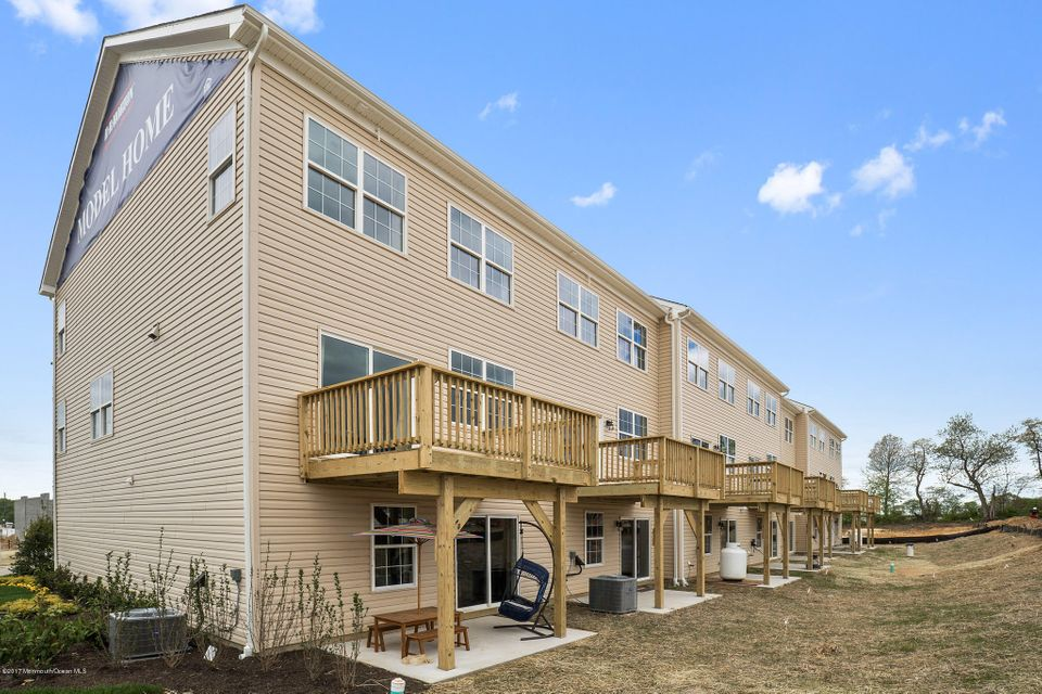 Additional photo for property listing at 1803 John Deere Lane  Monroe, New Jersey 08831 États-Unis