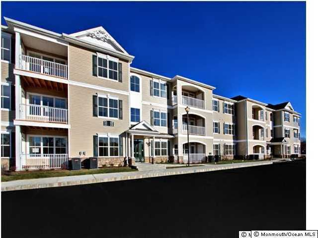 Condominium for Rent at 521 Mill Pond Way Eatontown, New Jersey 07724 United States