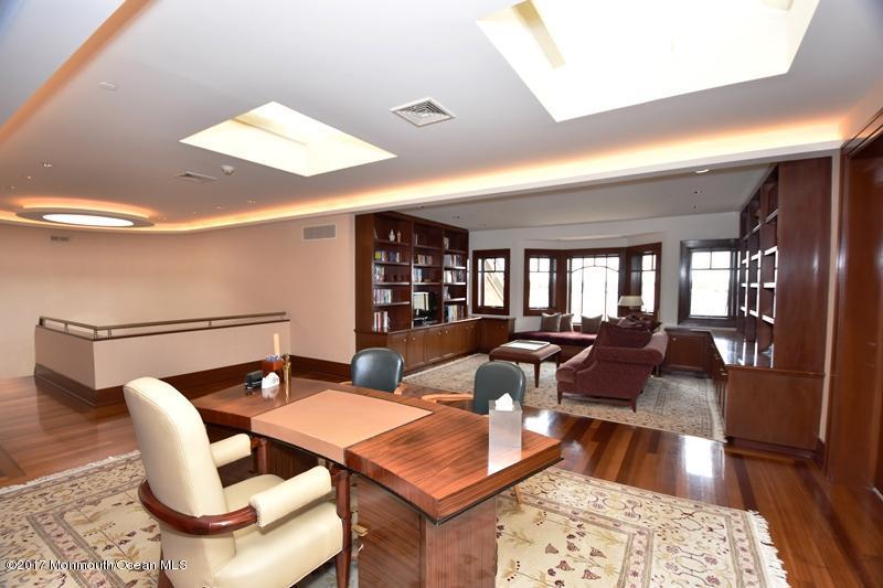 3rd Floor Office