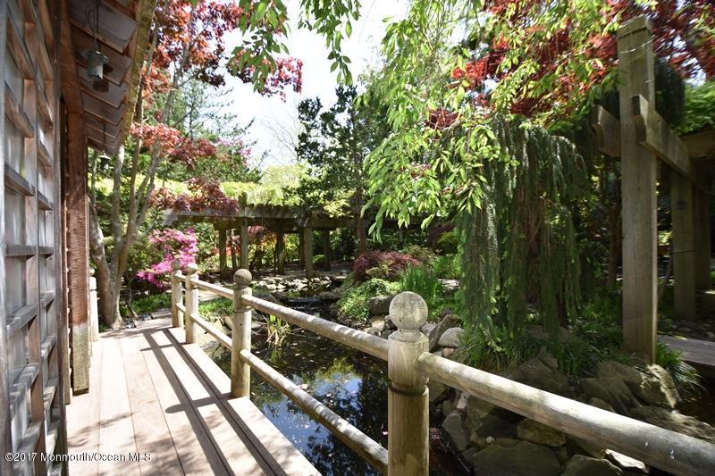 Japanese Gardens and Tea House