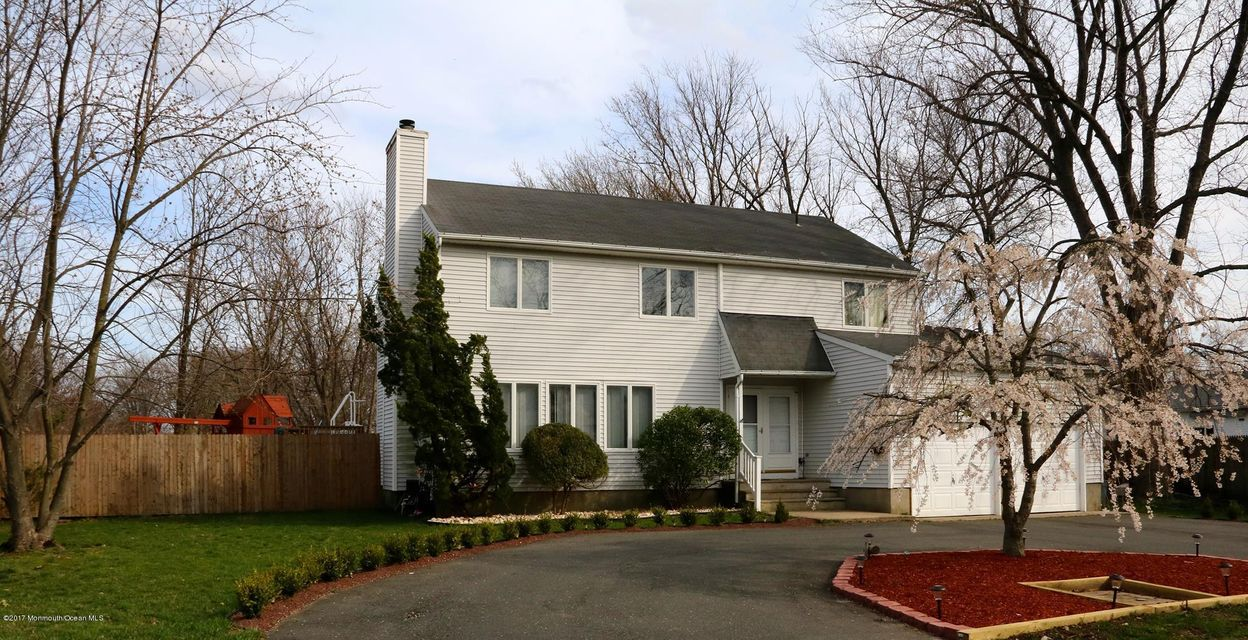 Single Family Home for Sale at 117 Harbor Way Belford, New Jersey 07718 United States