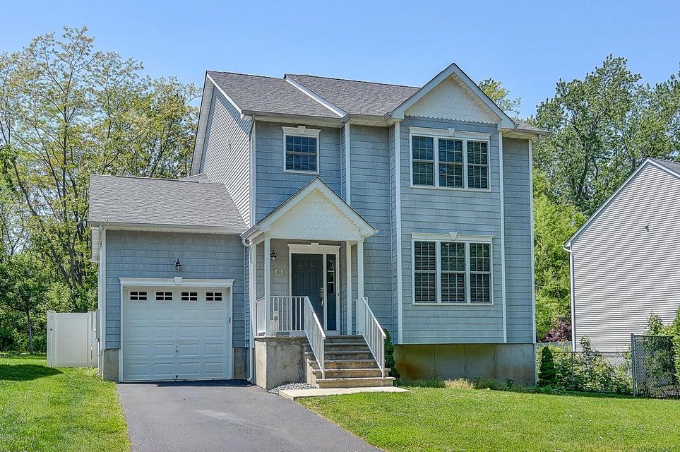 Casa Unifamiliar por un Alquiler en 83 Orchard Street Freehold, Nueva Jersey 07728 Estados Unidos