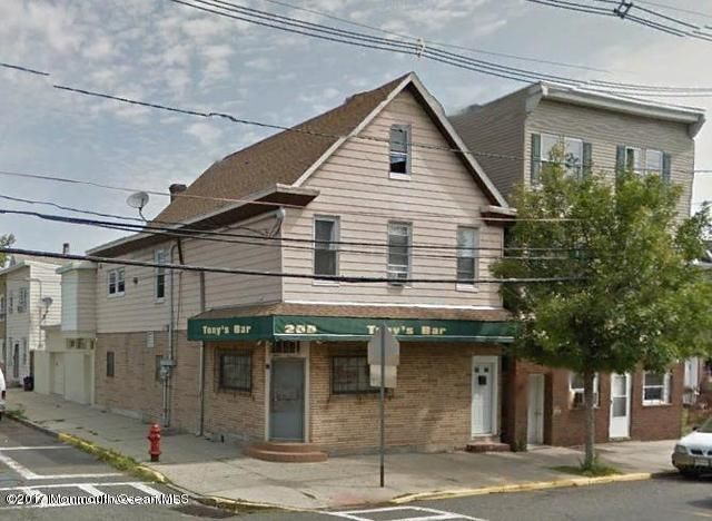 Maison avec plusieurs logements pour l Vente à 200 Hall Avenue Perth Amboy, New Jersey 08862 États-Unis