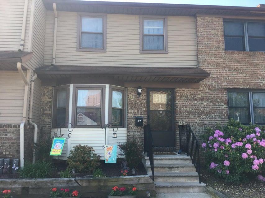 共管式独立产权公寓 为 出租 在 27 Village Green Way 黑兹利特, 新泽西州 07730 美国