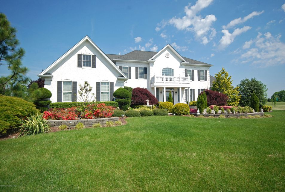 Photo of home for sale at 6 Genek Court Court, Freehold NJ