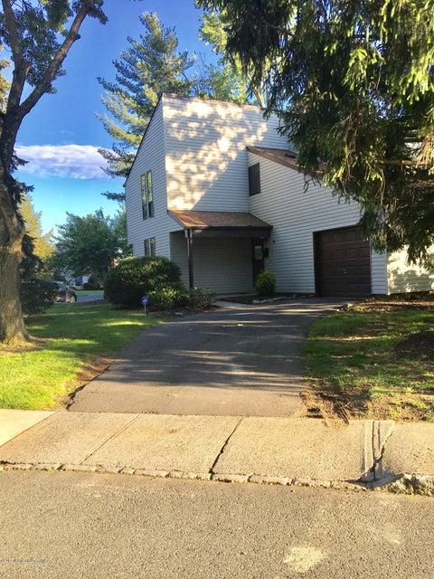 Casa Unifamiliar por un Venta en 4 Overton Road East Windsor, Nueva Jersey 08520 Estados Unidos