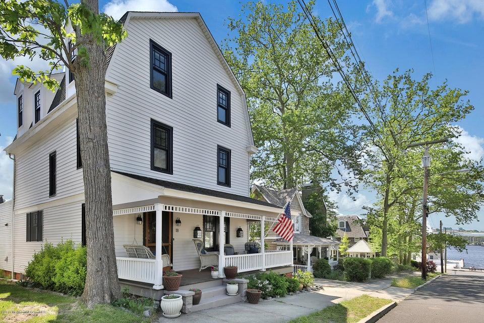 18 Oak Avenue, Island Heights, NJ 08732