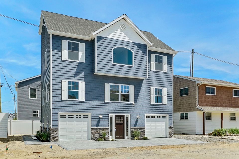 Single Family Home for Sale at 8 Surf Road Ortley Beach, New Jersey 08751 United States