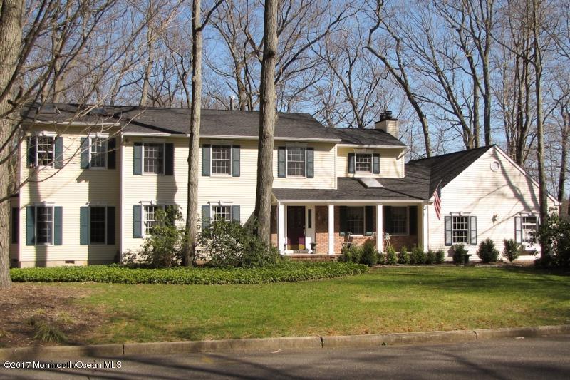 101 Oak Glen, Lincroft, NJ 07738