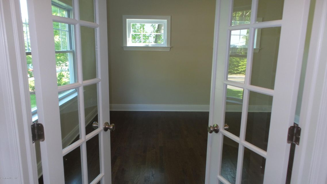 Additional photo for property listing at 706 Schoolhouse Road  Brielle, New Jersey 08730 United States