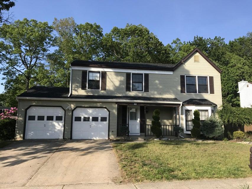 Casa Unifamiliar por un Alquiler en 42 Concord Circle Howell, Nueva Jersey 07731 Estados Unidos