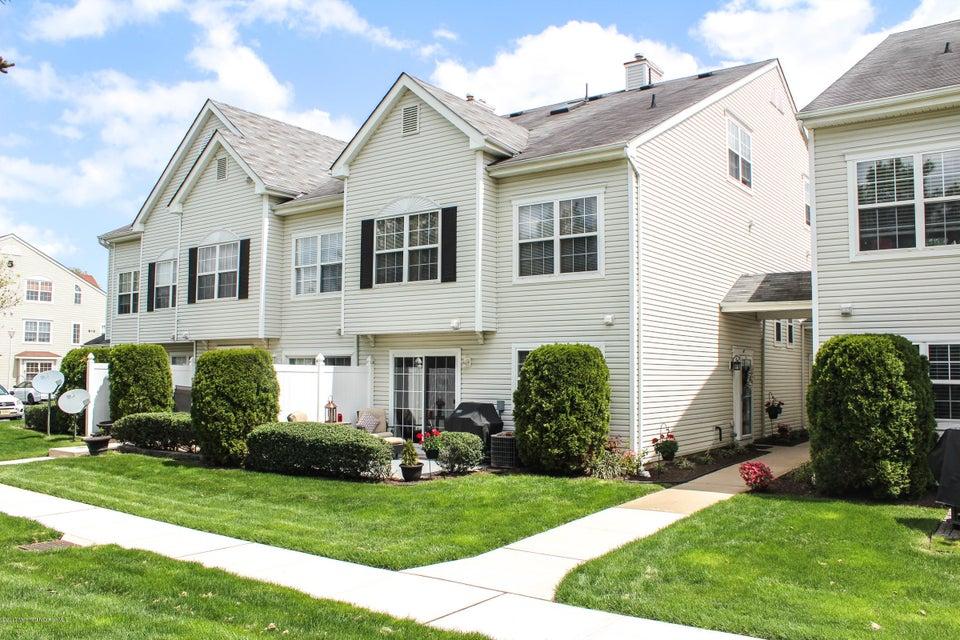 Condominio por un Alquiler en 47 Winged Foot Court Howell, Nueva Jersey 07731 Estados Unidos