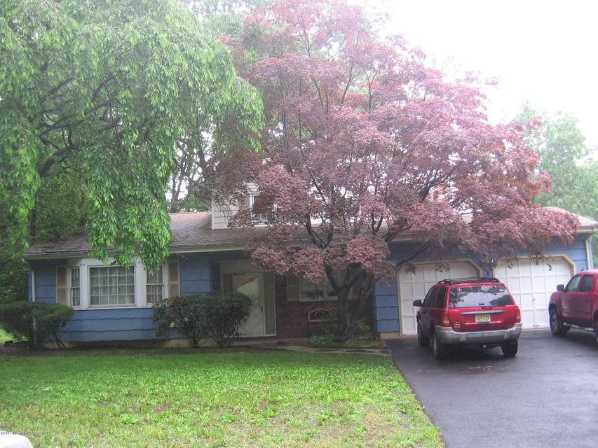 Single Family Home for Sale at 35 Driftwood Drive Parlin, New Jersey 08859 United States