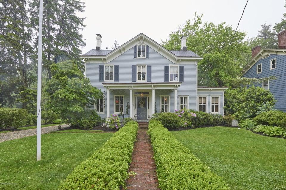 独户住宅 为 销售 在 477 Sycamore Avenue 什鲁斯伯里, 07702 美国