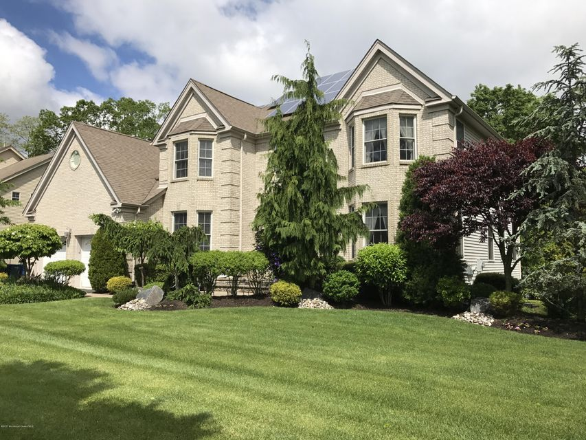 Single Family Home for Sale at 19 Taylors Run Tinton Falls, 07712 United States