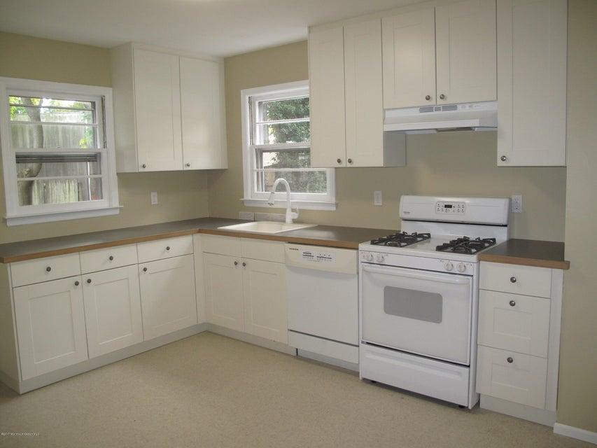 Casa Unifamiliar por un Alquiler en 13 Johnson Avenue Matawan, Nueva Jersey 07747 Estados Unidos