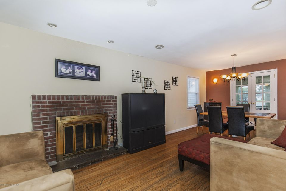 Additional photo for property listing at 223 Arlington Avenue 223 Arlington Avenue Cliffwood, Nueva Jersey 07721 Estados Unidos