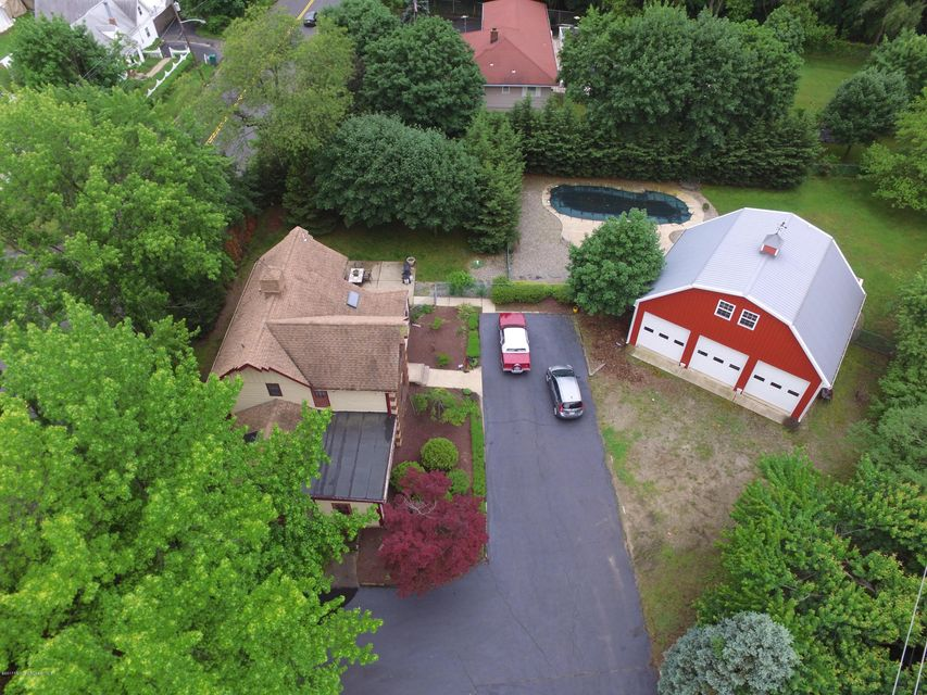 Additional photo for property listing at 839 Lloyd Road 839 Lloyd Road Aberdeen, New Jersey 07747 Hoa Kỳ