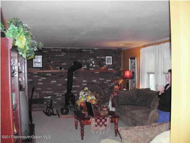 Additional photo for property listing at 96 Jefferson Avenue 96 Jefferson Avenue Bayville, New Jersey 08721 États-Unis