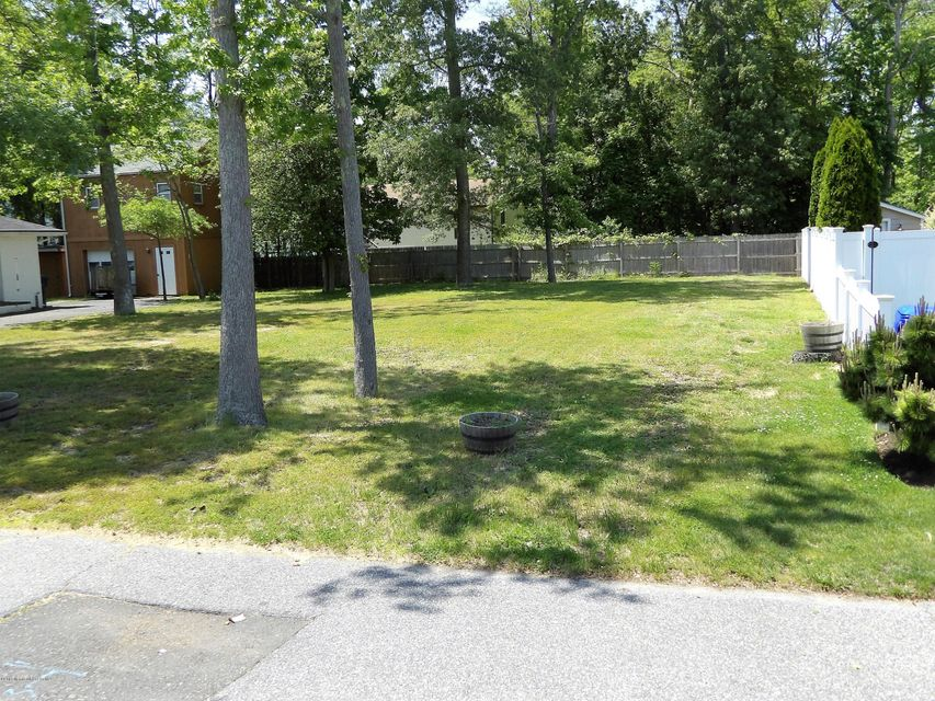 Additional photo for property listing at 70 Catalina Drive 70 Catalina Drive Brick, New Jersey 08723 United States