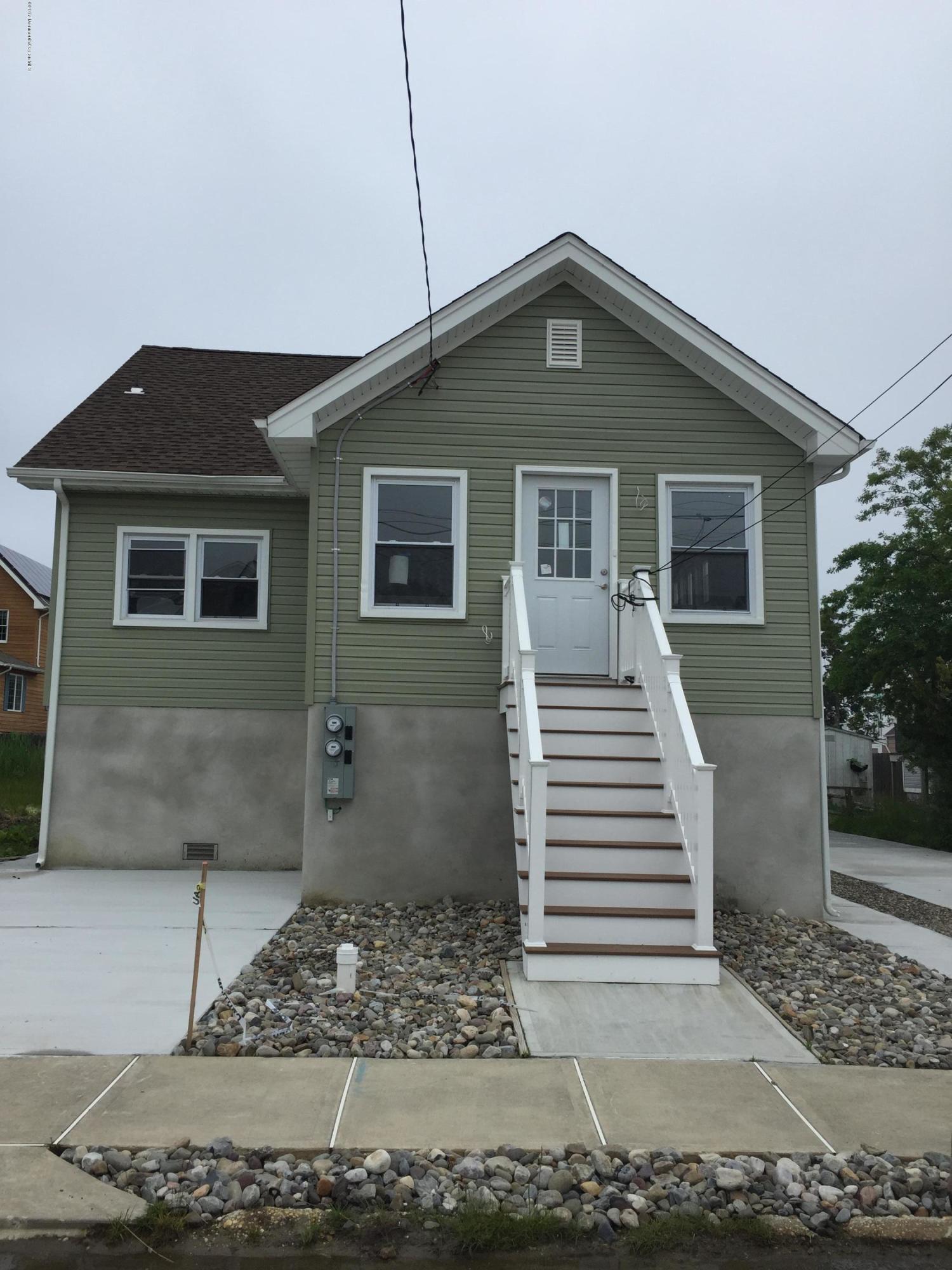 独户住宅 为 出租 在 10 Pershing Avenue Manasquan, 新泽西州 08736 美国