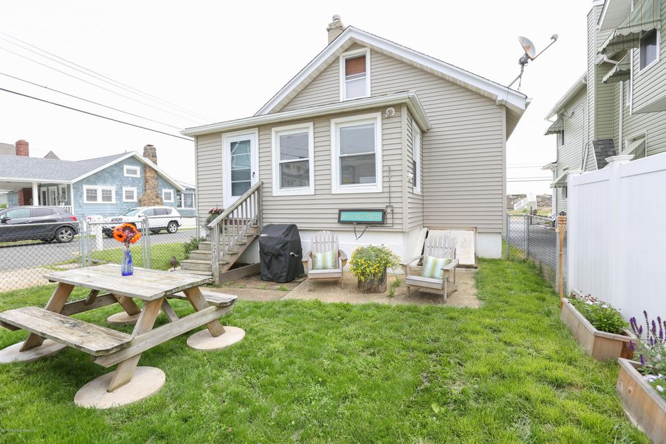 Single Family Home for Sale at 572 Ocean Avenue 572 Ocean Avenue Sea Bright, New Jersey 07760 United States
