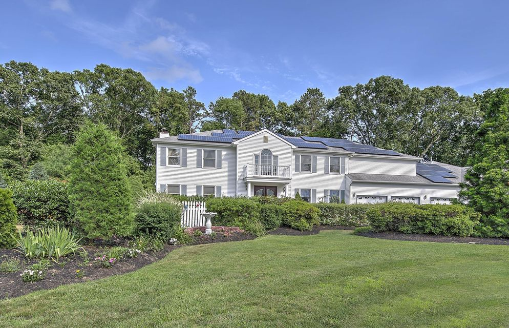Photo of home for sale at 12 Golden Way Way, Howell NJ
