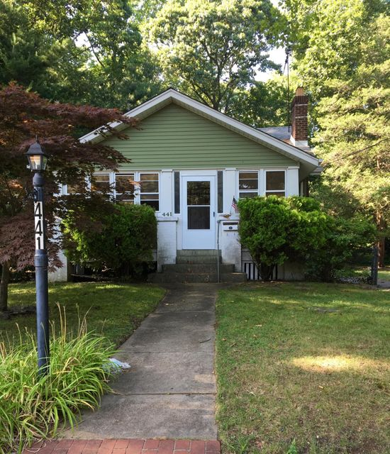 Maison unifamiliale pour l à louer à 441 Roosevelt Avenue Oakhurst, New Jersey 07755 États-Unis