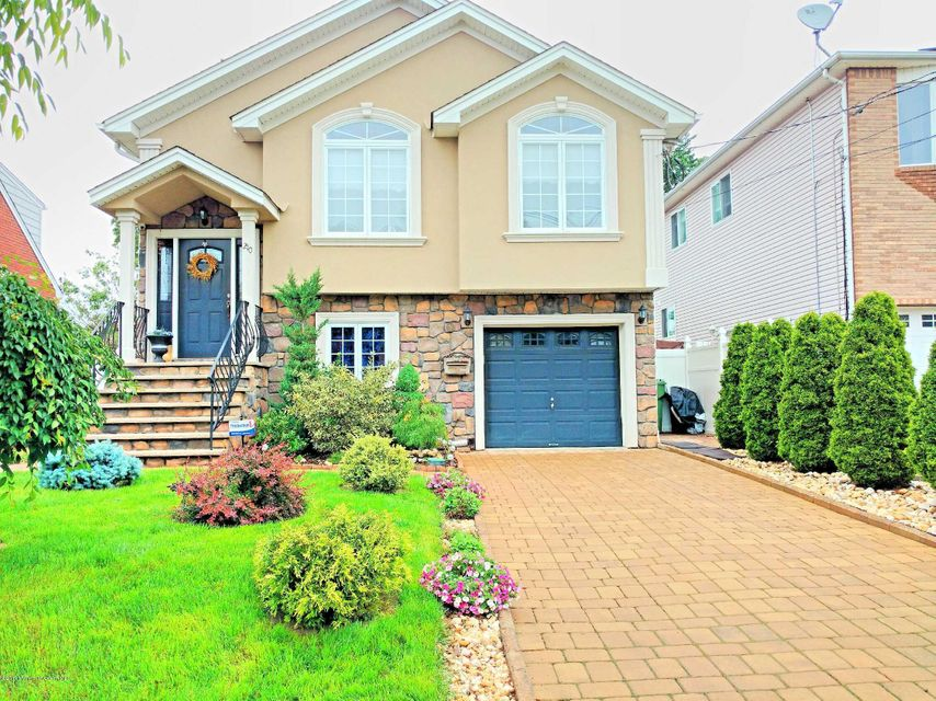 Maison unifamiliale pour l Vente à 210 Garfield Street Linden, New Jersey 07036 États-Unis