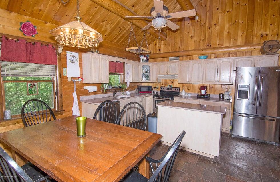 _RMJ4098.jpg kitchen