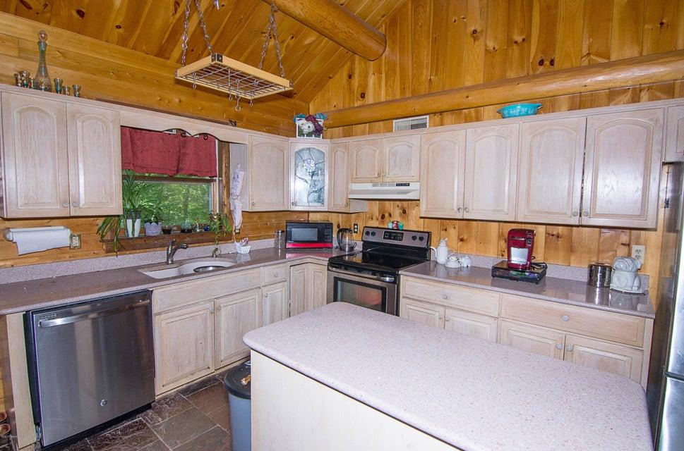_RMJ4105.jpg kitchen