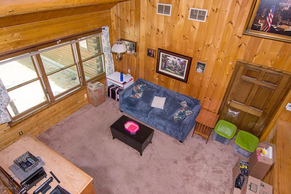 _RMJ4118.jpg family room