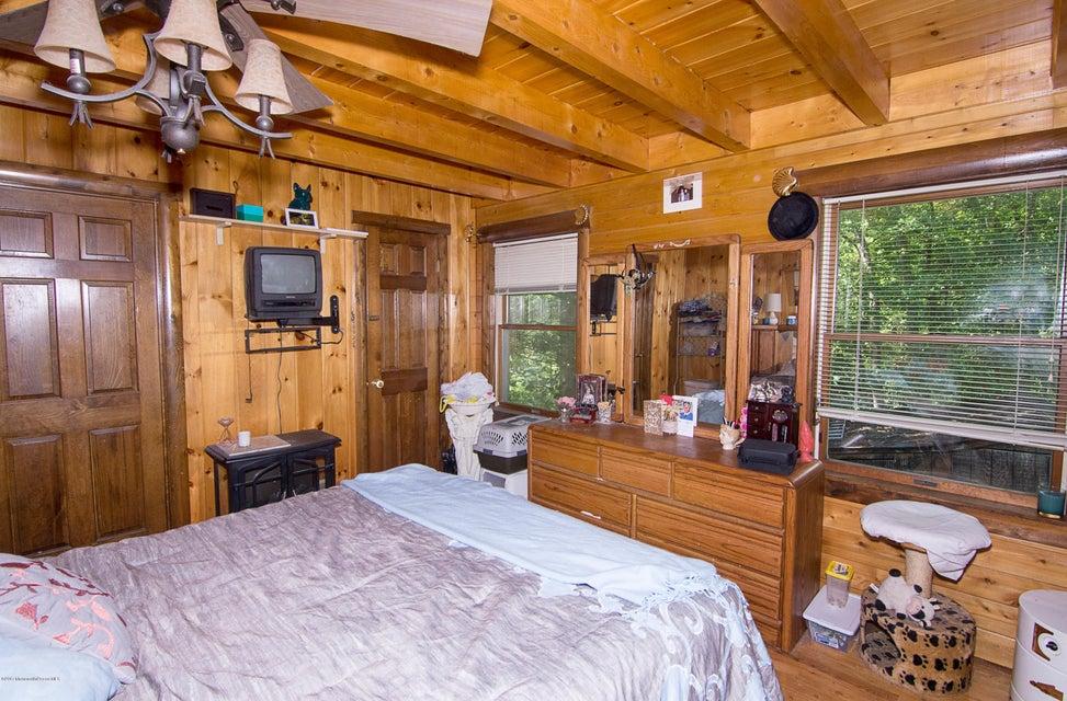 _RMJ4149.jpg master bedroom