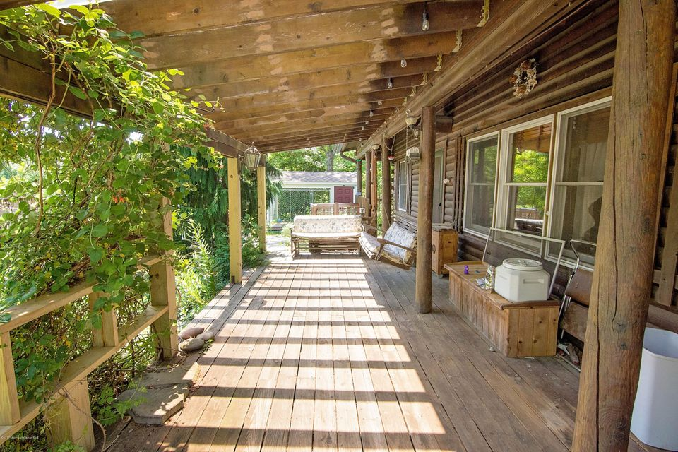 _RMJ4157.jpg porch