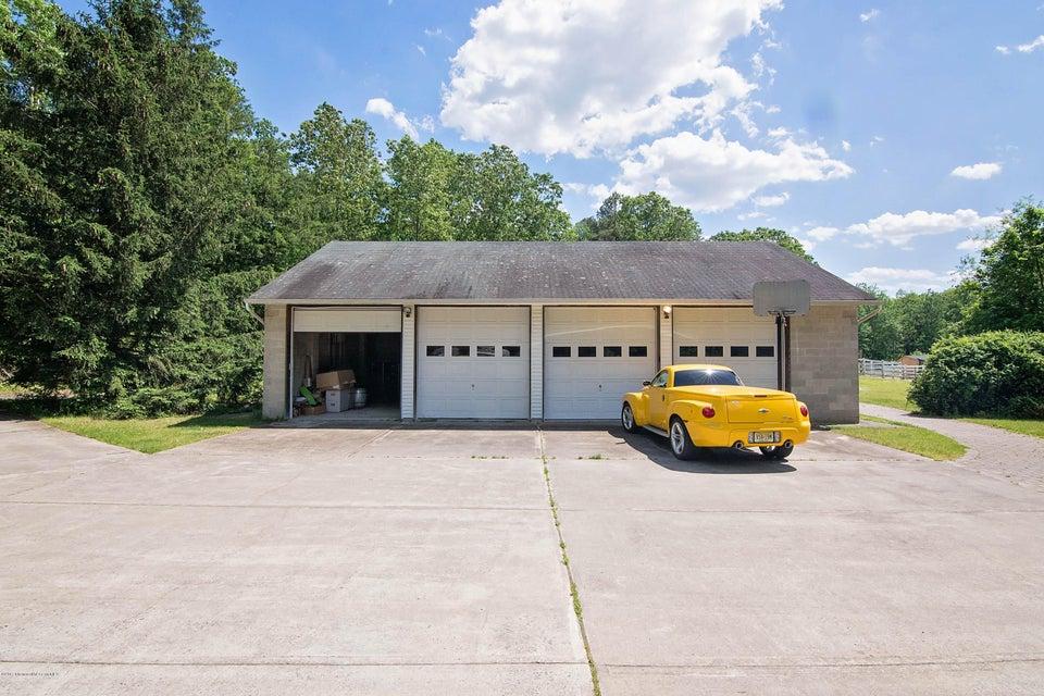 _RMJ4168.jpg detached garage