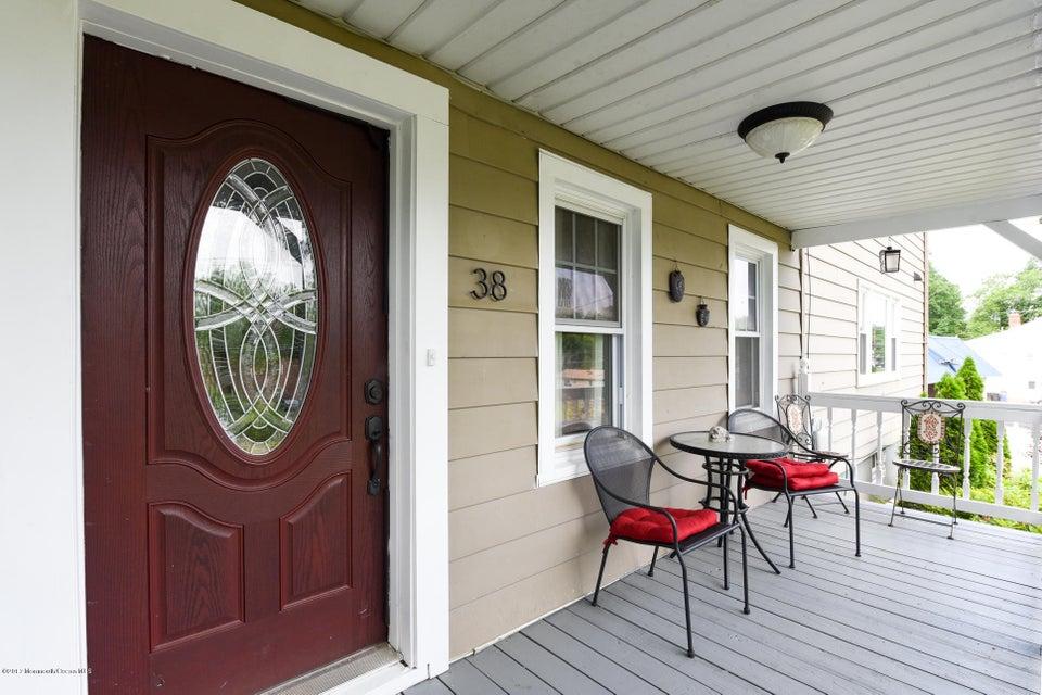 獨棟家庭住宅 為 出售 在 38 Dayton Road 38 Dayton Road Jamesburg, 新澤西州 08831 美國