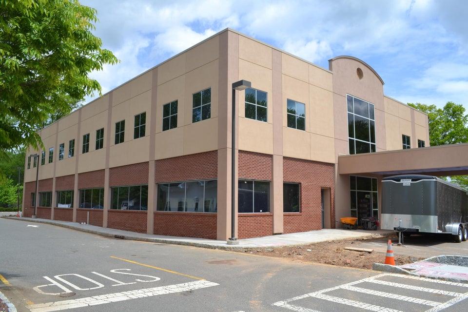 Commercial pour l Vente à 343 Old Georges Road North Brunswick, New Jersey 08902 États-Unis