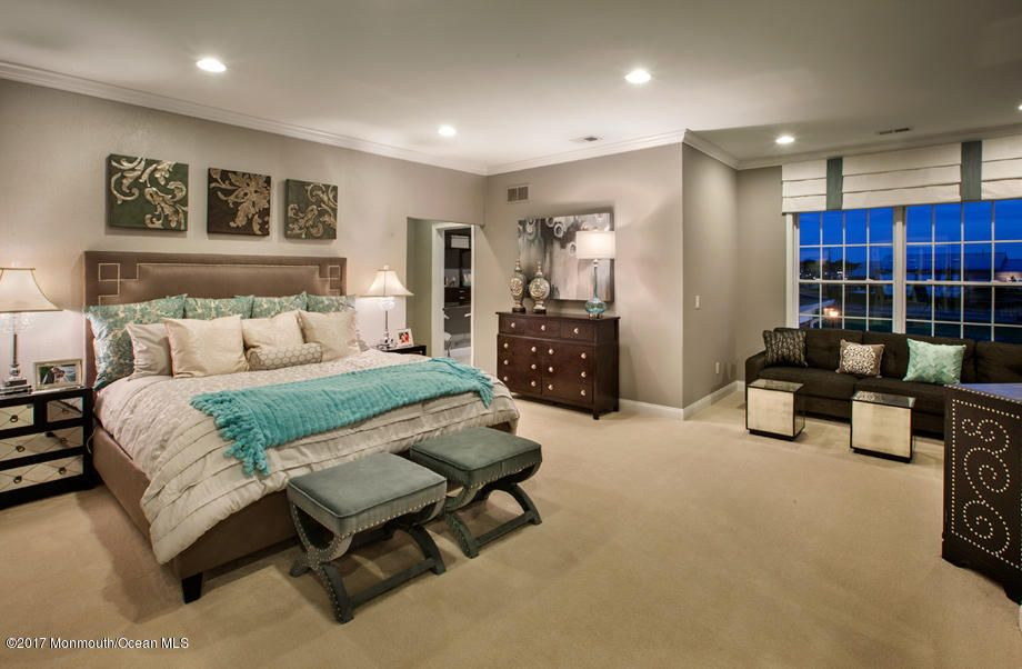 Columbia Master Bed 2