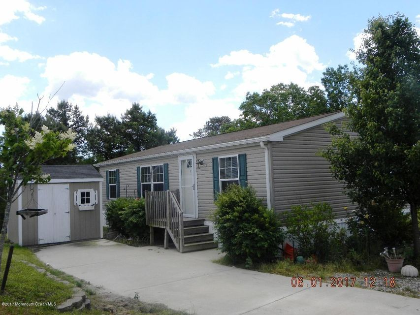 Single Family Home for Rent at 2 Hemlock Court Manahawkin, New Jersey 08050 United States