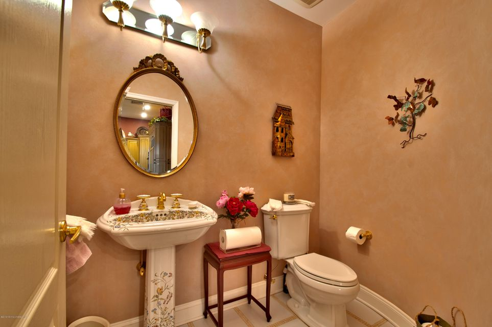 Gorgeous Half-Bath