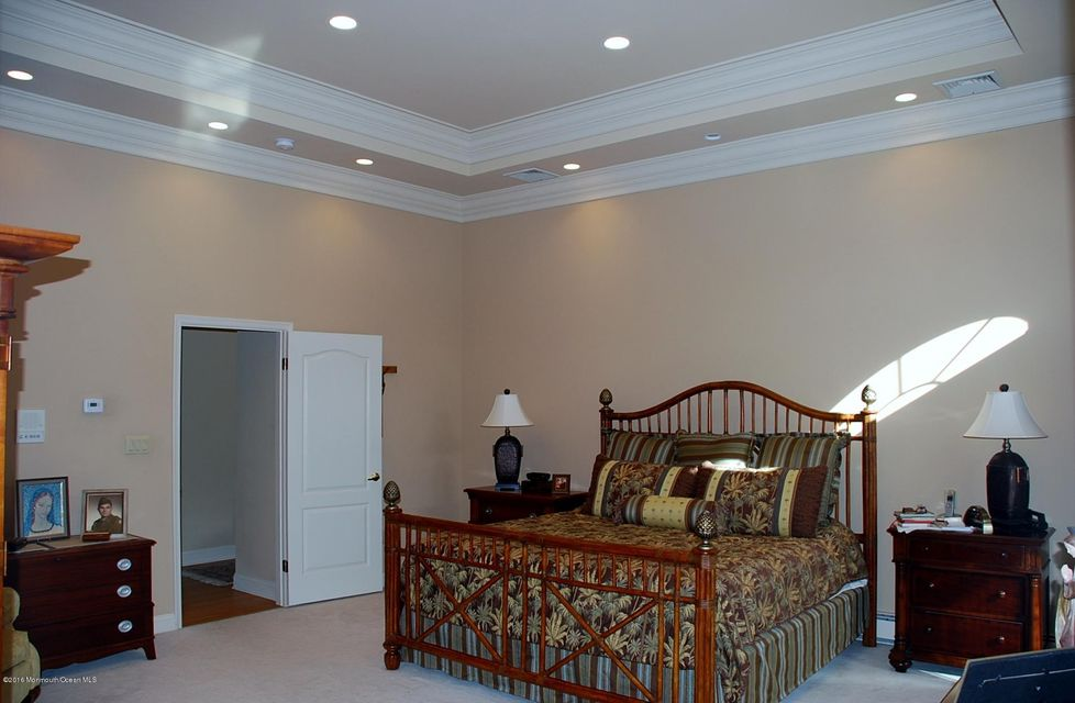 Master Chamber with Tray Ceiling