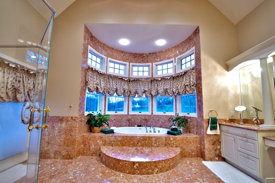 Master Bath with Jetted Tub & Views!