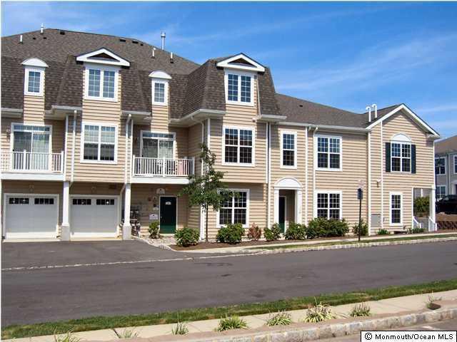 Appartement en copropriété pour l à louer à 103 April Way Middletown, New Jersey 07748 États-Unis