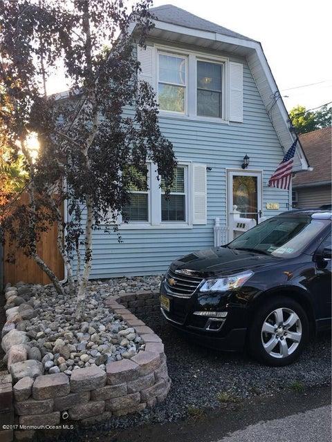 独户住宅 为 销售 在 249 Garfield Avenue 劳伦斯港, 新泽西州 08879 美国