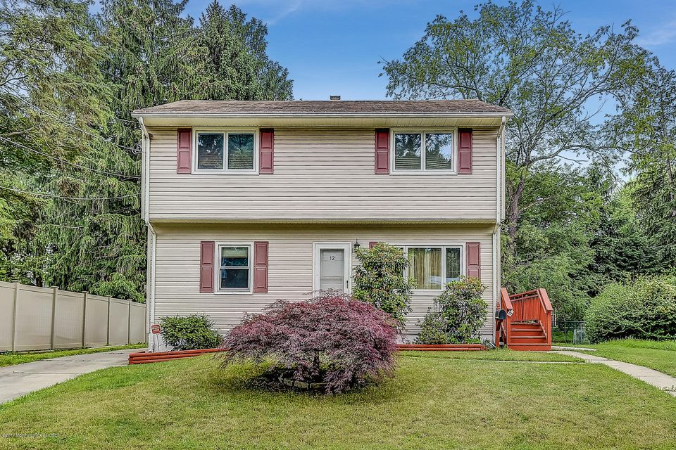 Einfamilienhaus für Verkauf beim 12 Princeton Court 12 Princeton Court East Brunswick, New Jersey 08816 Vereinigte Staaten