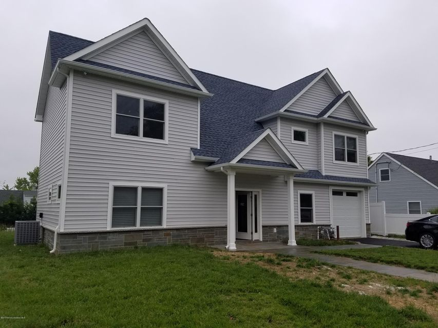Casa Unifamiliar por un Alquiler en 229 Lockwood Avenue Elberon, Nueva Jersey 07740 Estados Unidos