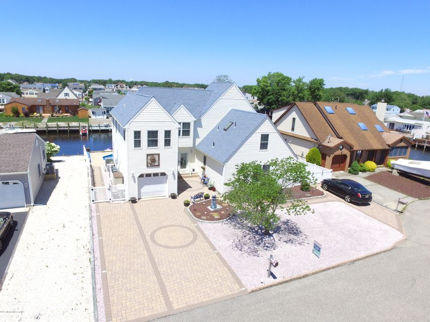 Single Family Home for Sale at 405 Atlantic City Court Lanoka Harbor, New Jersey 08734 United States