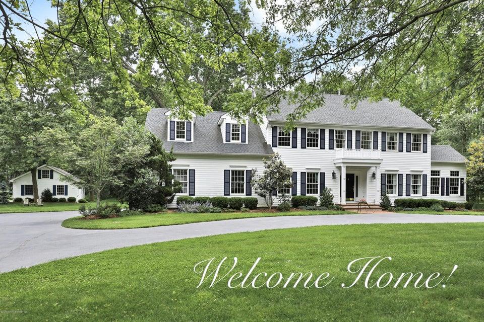 独户住宅 为 销售 在 33 Strauss Drive 什鲁斯伯里, 新泽西州 07702 美国