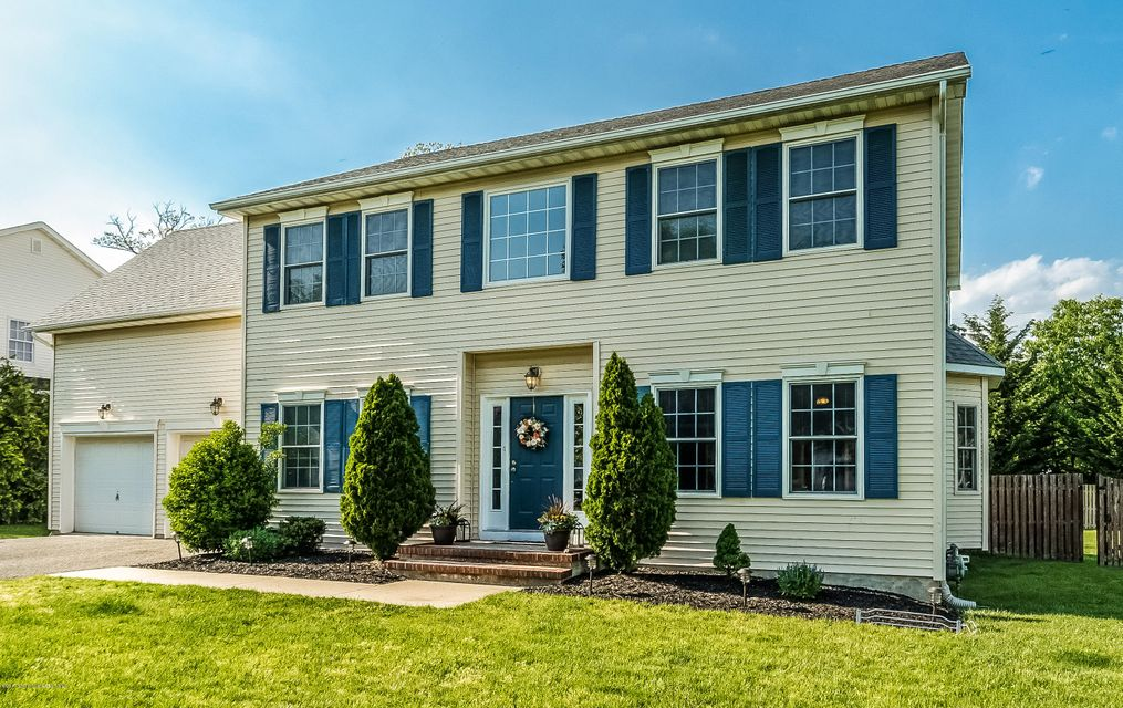 2 Marilyn Court, Eatontown, NJ 07724